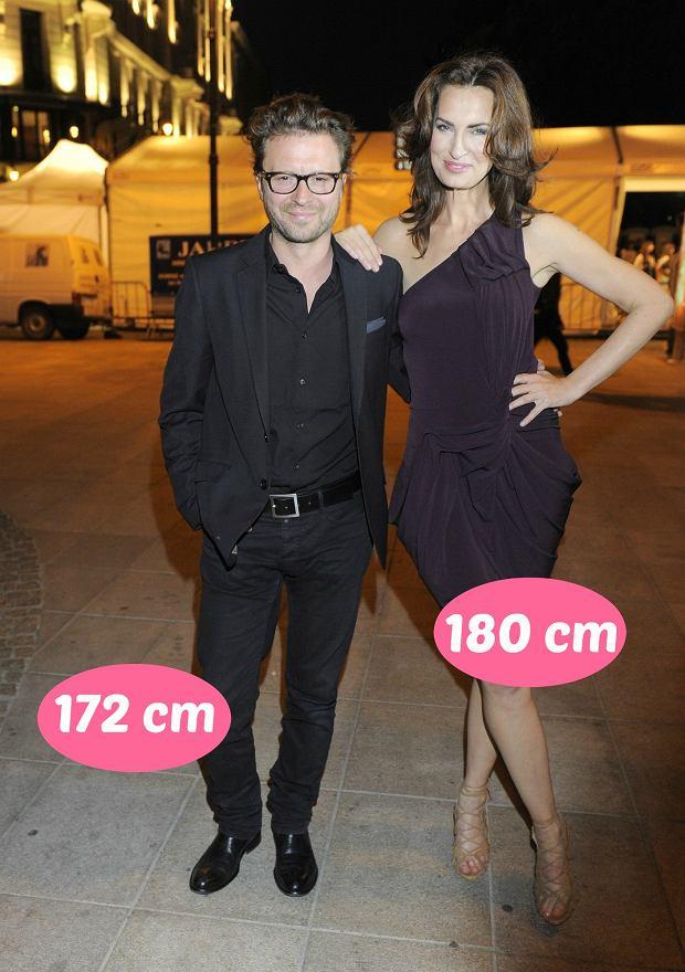 Zdjęcie numer 9 w galerii - Agnieszka Woźniak-Starak jest wyższa od męża prawie o głowę, ale rekordu nie ustanowiła. Te gwiazdy zakochały się w niższych partnerach
