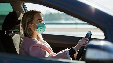 Czy trzeba będzie mieć maseczkę na ustach jadąc samochodem?