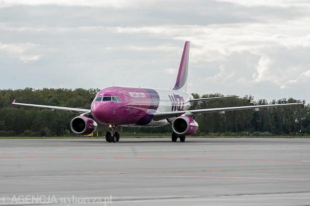 Wizz Air w lipcu uruchomi nową trasę z Polski. Z powodu pandemii wprowadza też nowe zasady