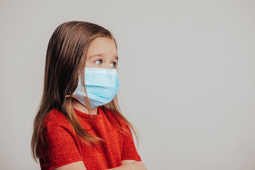 Dzieci i młodzież są bardziej narażone na poważne powikłania związane z COVID-19, niż wcześniej sądzono