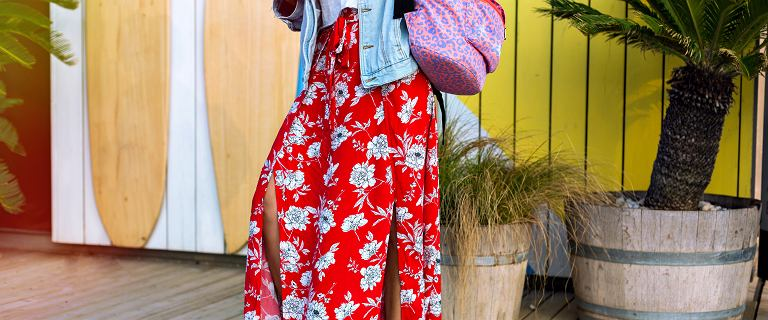 Długie spódnice na lato - sprawdź, jakie modele warto wybrać