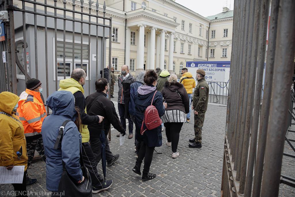 Akcja 'Zaszczep się w majówkę' w Warszawie