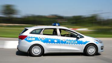 Łódź: 10-latek wsiadł do auta dziadków, bo chciał się przejechać. Uderzył w inny samochód