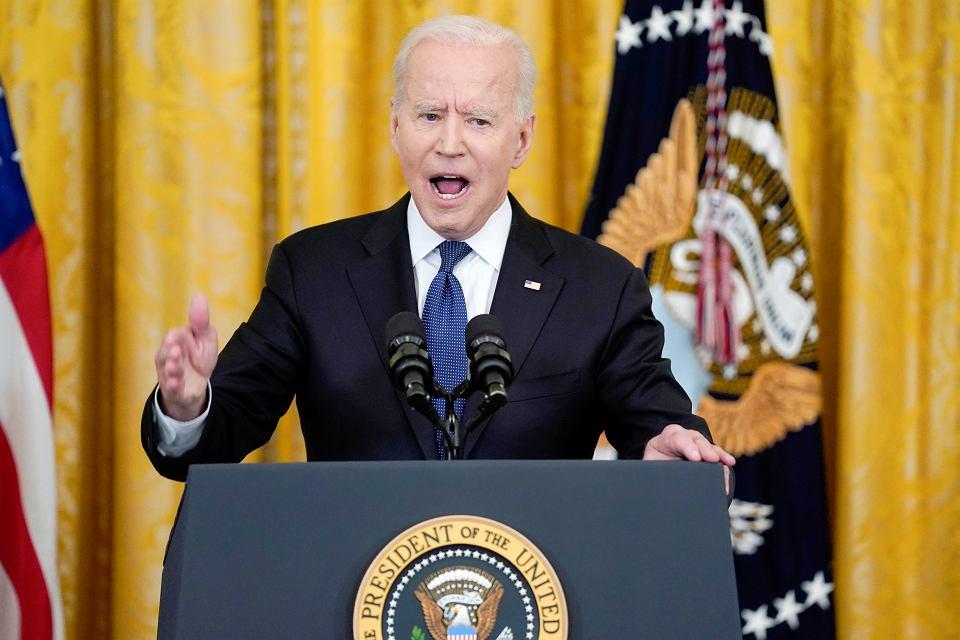 'Stany Zjednoczone będą nadal stać przy narodzie białoruskim w jego walce' - napisał Joe Biden