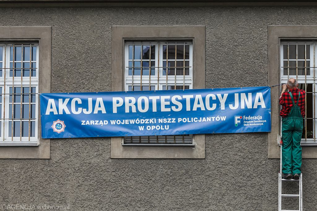 Protest policjantów. Joachim Brudziński zapowiada, że jest otwarty na rozmowy ze służbami mundurowymi