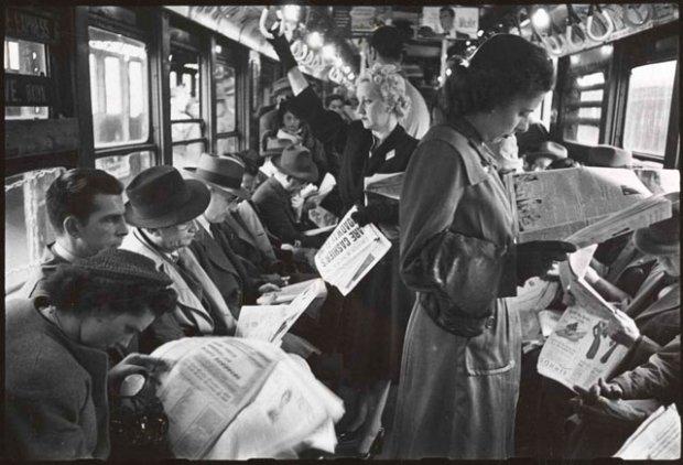 Życie i miłość w metrze Nowego Jorku. Zdjęcie pochodzi z 1946 roku.