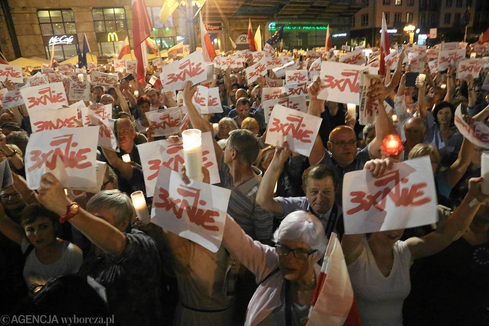 Niedzielny protest mieszkańców Wrocławia w obronie sądów