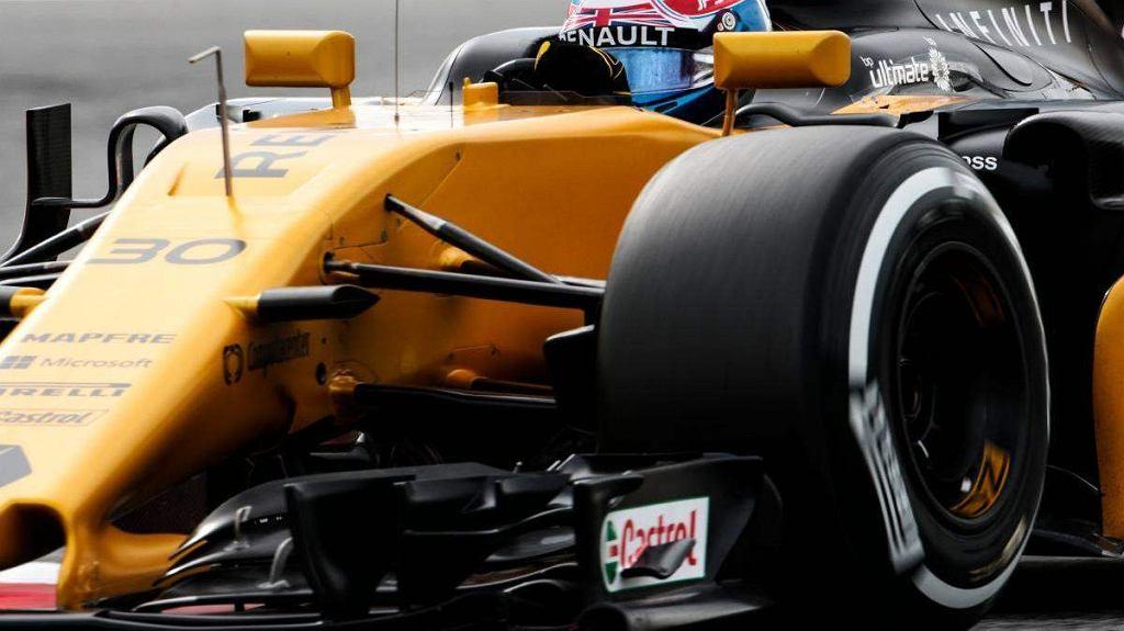 Do tej pory Kubica jeździł znacznie słabszym modelem E20 z 2012 roku. Najnowszy bolid ma sześciocylindrowy, hybrydowy silnik 1.6. Obroty jednostki napędowej ograniczono do poziomu 15 tys. na minutę