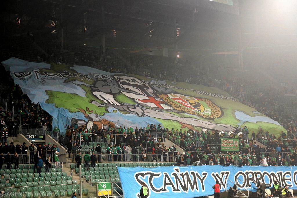 Antyislamskie transparenty na meczu Śląsk - Lech