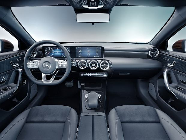 Mercedes Klasy A L Sport Sedan