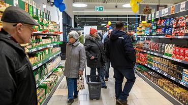 Zakupy polskich konsumentów. Zdjęcie ilustracyjne.