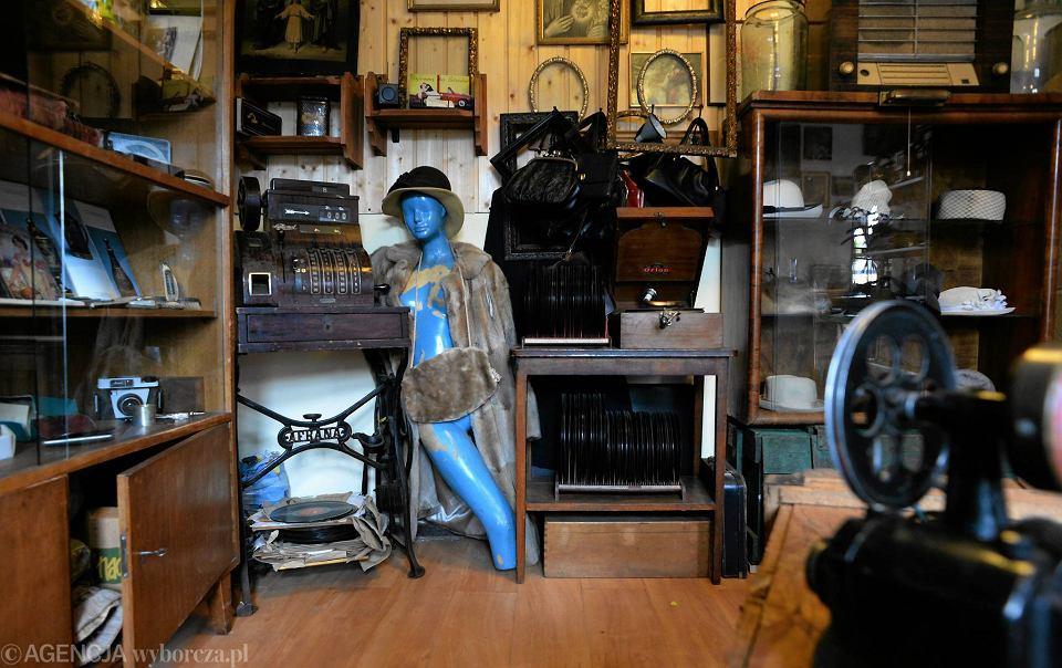 Zdjęcie numer 16 w galerii - Przedmioty z minionej epoki. Retro Garaż jest pełen tajemnic