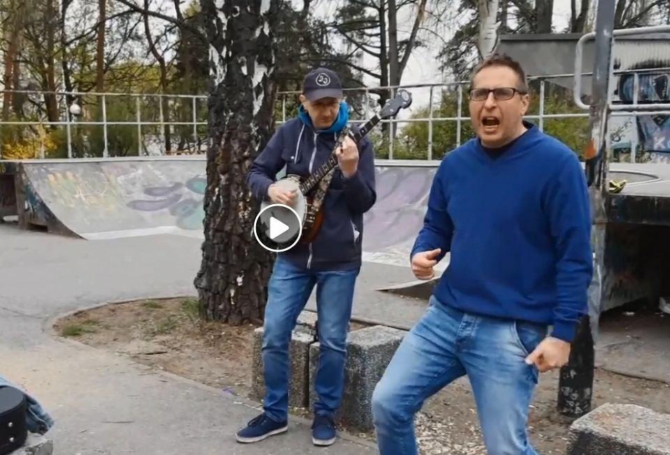 Jarosław Jaros i Janusz Stefańczak nagrali piosenkę na strajk nauczycieli