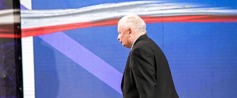 Kaczyński wyciągnął euro, żeby zakneblować nauczycieli. Jego deklaracja nie ma sensu