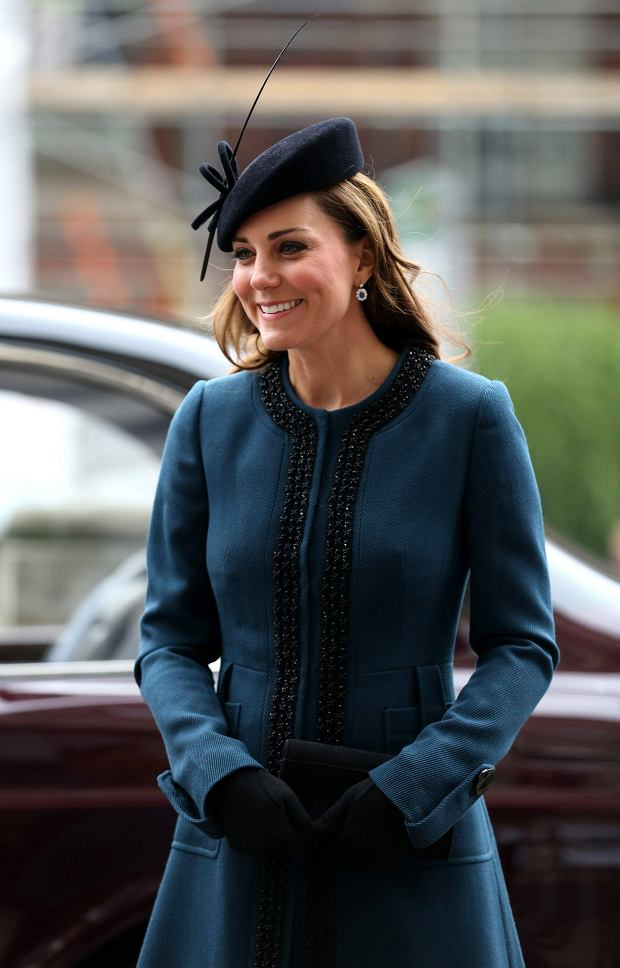 Britain's Catherine, Duchess of Cambridge arrives for a visit to Baker Street Underground Station in London March 20, 2013. The visit to the station on London's tube transport system, was to mark the 150th anniversary of the London Underground.  REUTERS/Chris Radburn/Pool   (BRITAIN - Tags: ANNIVERSARY ENTERTAINMENT SOCIETY ROYALS TRANSPORT)