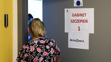 Szczepienia nauczycieli przeciw COVID-10. Kraków, Szpital Uniwersytecki. 12 lutego 2021