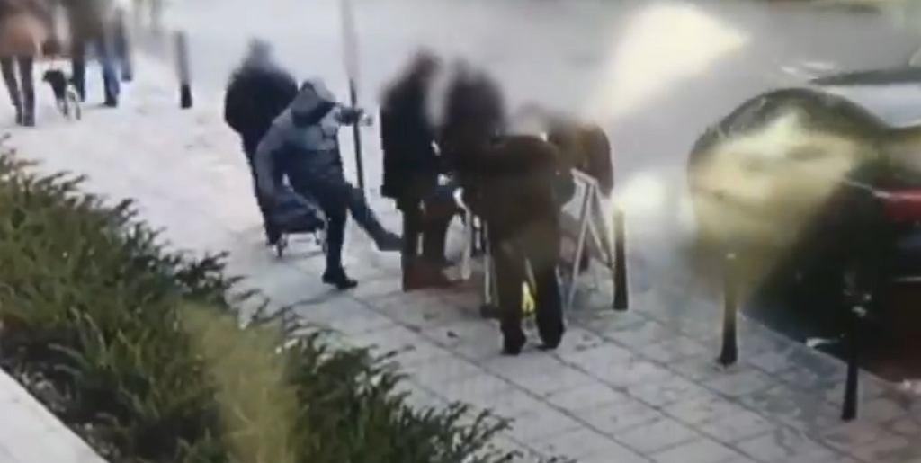 Warszawa. Atak na wolontariusza zbierającego podpisy pod kandydatura Andrzeja Dudy