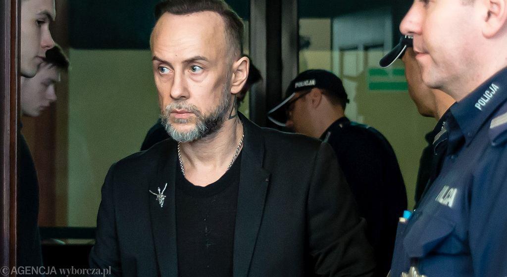 Adam Nergal Darski w sądzie - proces dotyczący rzekomego znieważenia polskiego godła, 2017 rok