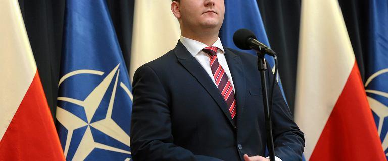 Bartłomiej Misiewicz już tak nie wygląda. Polityk wyraźnie schudł. Metamorfozą pochwalił się na Instagramie