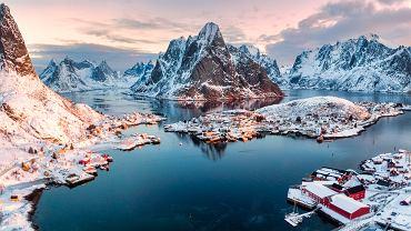 Reine, rybacka wioska na norweskich Lofotach.