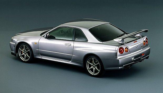 Auto ma 280 KM mocy, przyspiesza do setki w 5,7 sekundy i rozpędza się do 250 km/h