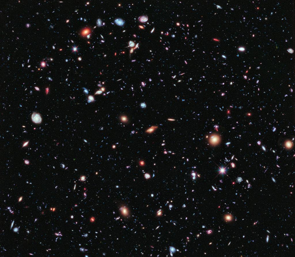 Ekstremalnie Głębokie Pole Hubble'a - najdalej sięgające zdjęcie kosmosu w historii