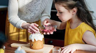 Polacy planują spędzić Wielkanoc z domownikami. Małe poparcie dla pełnego lockdownu [SONDAŻ]