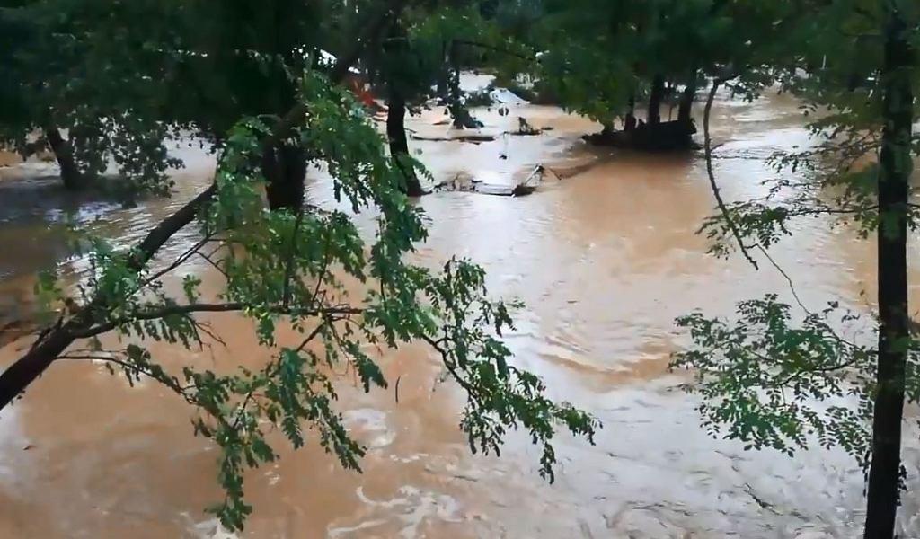Ulewne deszcze spowodowały we Francji powodzie