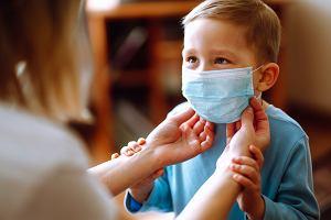 Dzieci nie muszą nosić maseczek? Nowe zalecenia Ministerstwa Zdrowia