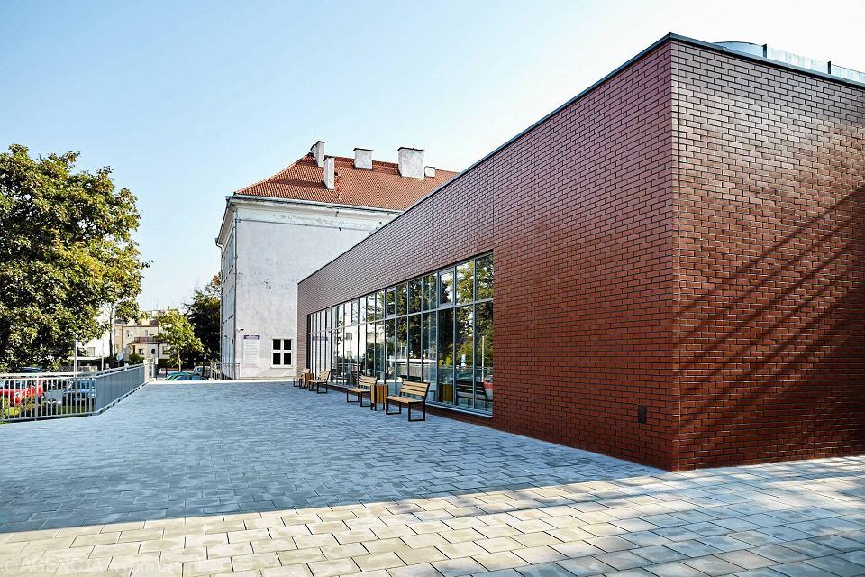 Zdjęcie numer 5 w galerii - VI LO w Gdyni ma wreszcie porządną salę gimnastyczną [ZDJĘCIA]