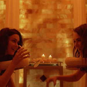 Scena z filmu '365 dni' opartego o książkę Blanki Lipińskiej. I pierwszej polskiej produkcji nominowanej do Złotych Malin.