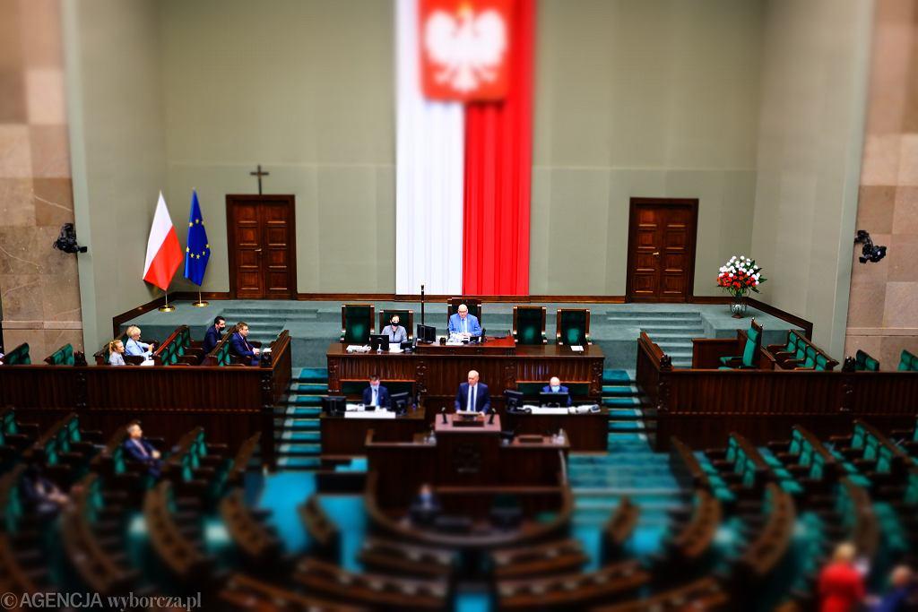 Drugi dzień 12 posiedzenia Sejmu IX kadencji