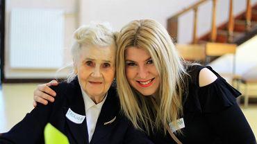 Babcia Jadzia i wnuczka Justyna - dwie przyjaciółki, które poznały się dzięki Stowarzyszeniu 'mali bracia Ubogich'