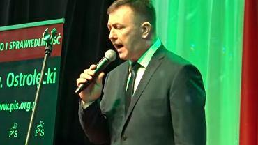 Janusz Kochanowski śpiewa 'Piąty Bieg'