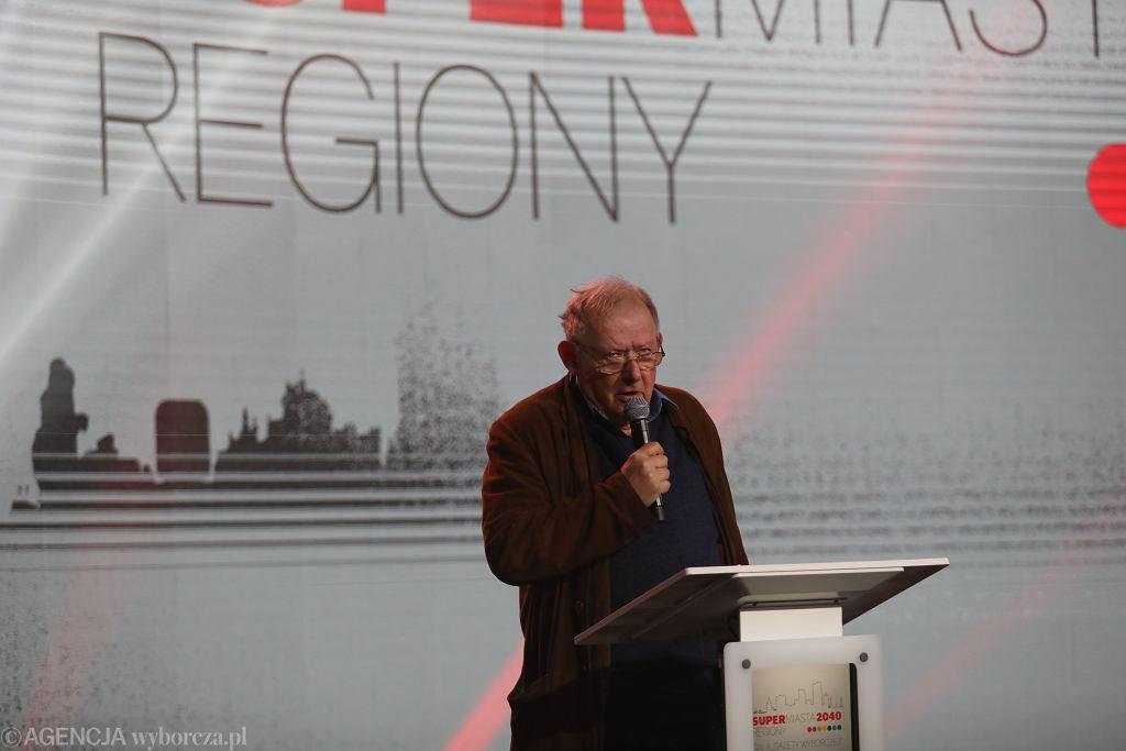 Adam Michnik, naczelny 'Wyborczej' na Gali Supermiasta i Superregiony