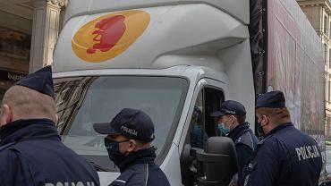 Zatrzymanie furgonetki antyaborcyjnej w październiku 2020 r. w Warszawie