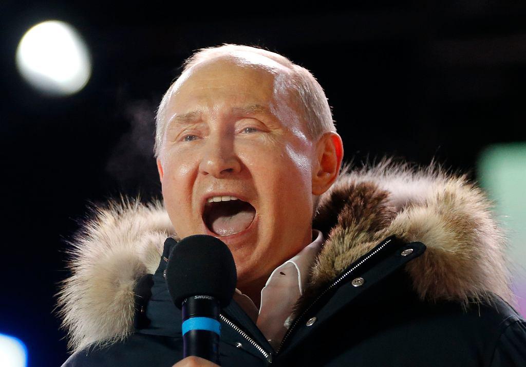 Władimir Putin przemawia do wyborców w Moskwie