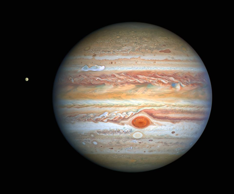 z26314558V,Jowisz-i--po-lewej--jego-ksie