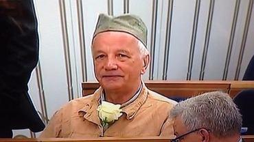 Senator Jan Rulewski w więziennym stroju
