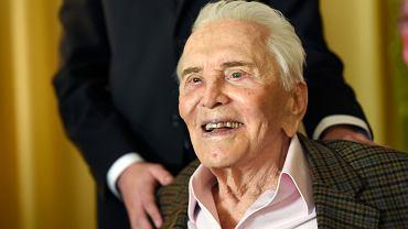 Kirk Douglas skończył 103 lata! Życzenia teściowi złożyła Catherine Zeta-Jones