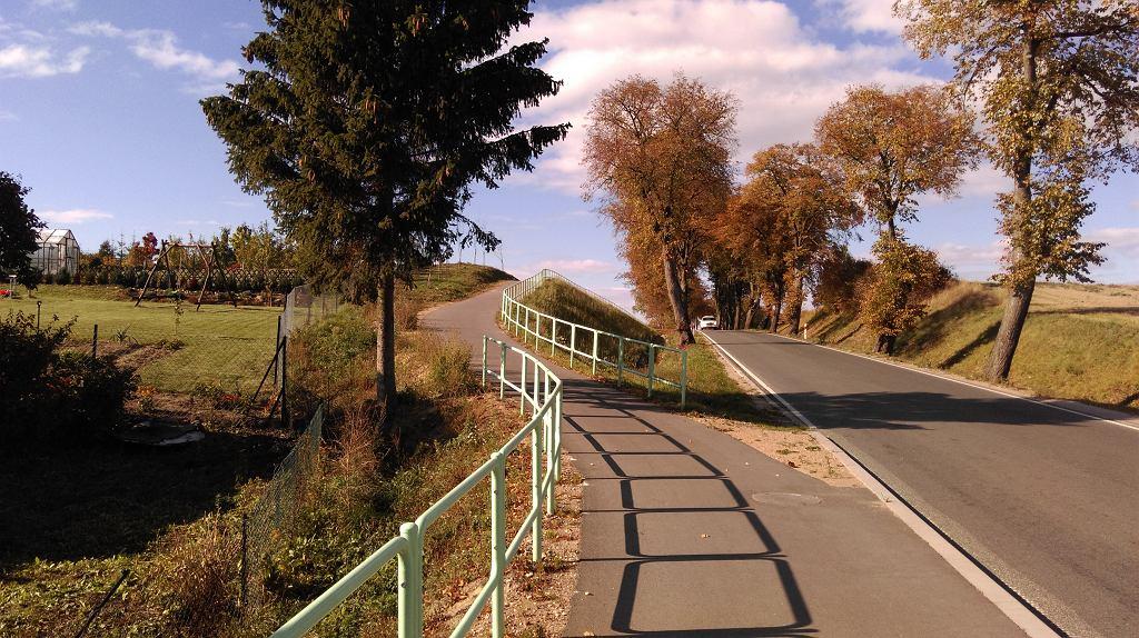 barierki wzdłuż DDR