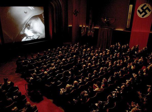 Make Life Harder: jak zachować się w kinie
