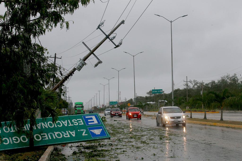Zniszczenia spowodowane przez huragan Grace w Meksyku