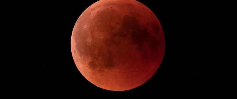 W poniedziałek zaćmienie Księżyca i superpełnia Księżyca