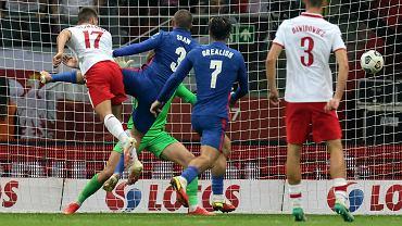 Damian Szymański strzela gola dla Polski