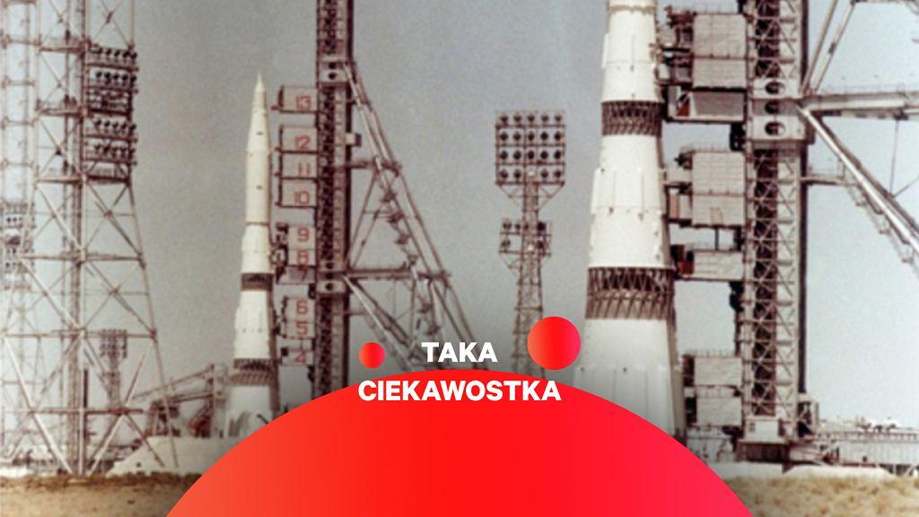 Rakieta N-1 i jej makieta na bliźniaczych stanowiskach startowych na kosmodromie Bajkonur