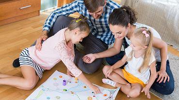 Rodzice mogą korzystać z urlopu rodzicielskiego razem albo na zmianę.