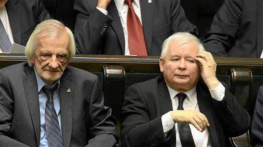Jarosław Kaczyński i Ryszard Terlecki podczas głosowania