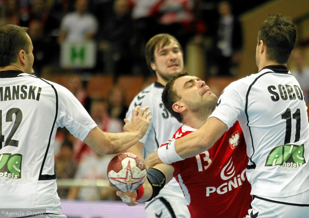 Czescy piłkarze w meczu z Polską