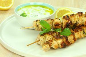 Souvlaki z sosem tzatziki, czyli greckie wakacje na talerzu